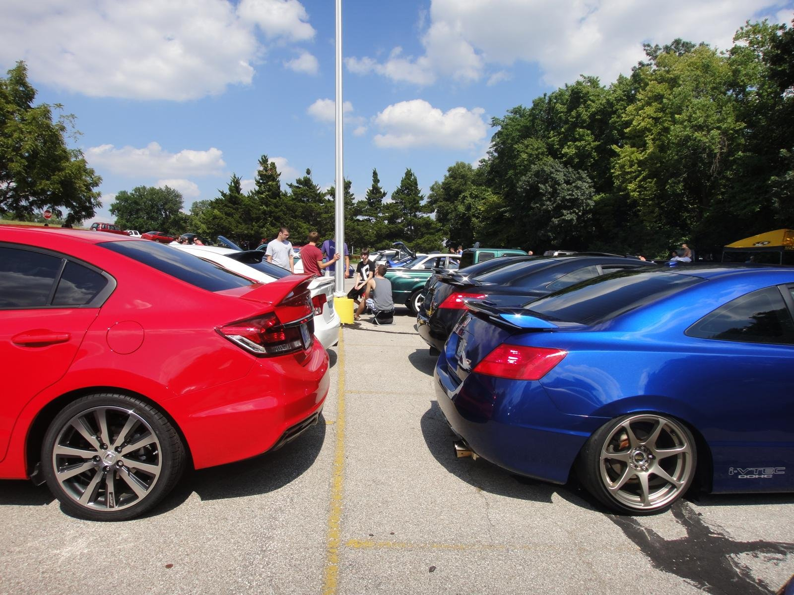 http://www.9thgencivic.com/forum/attachments/new-member-introductions/78570d1377273601-new-member-kansas-city-2013-civic-si-rallye-red-4-door-dsc04659.jpg