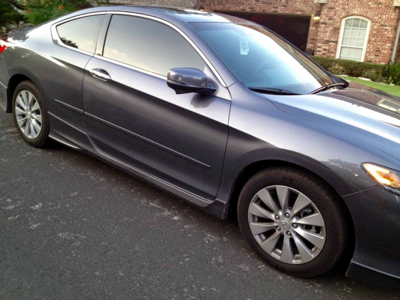 Anyone has photos of the 9th gen accord exl wheels on Civic