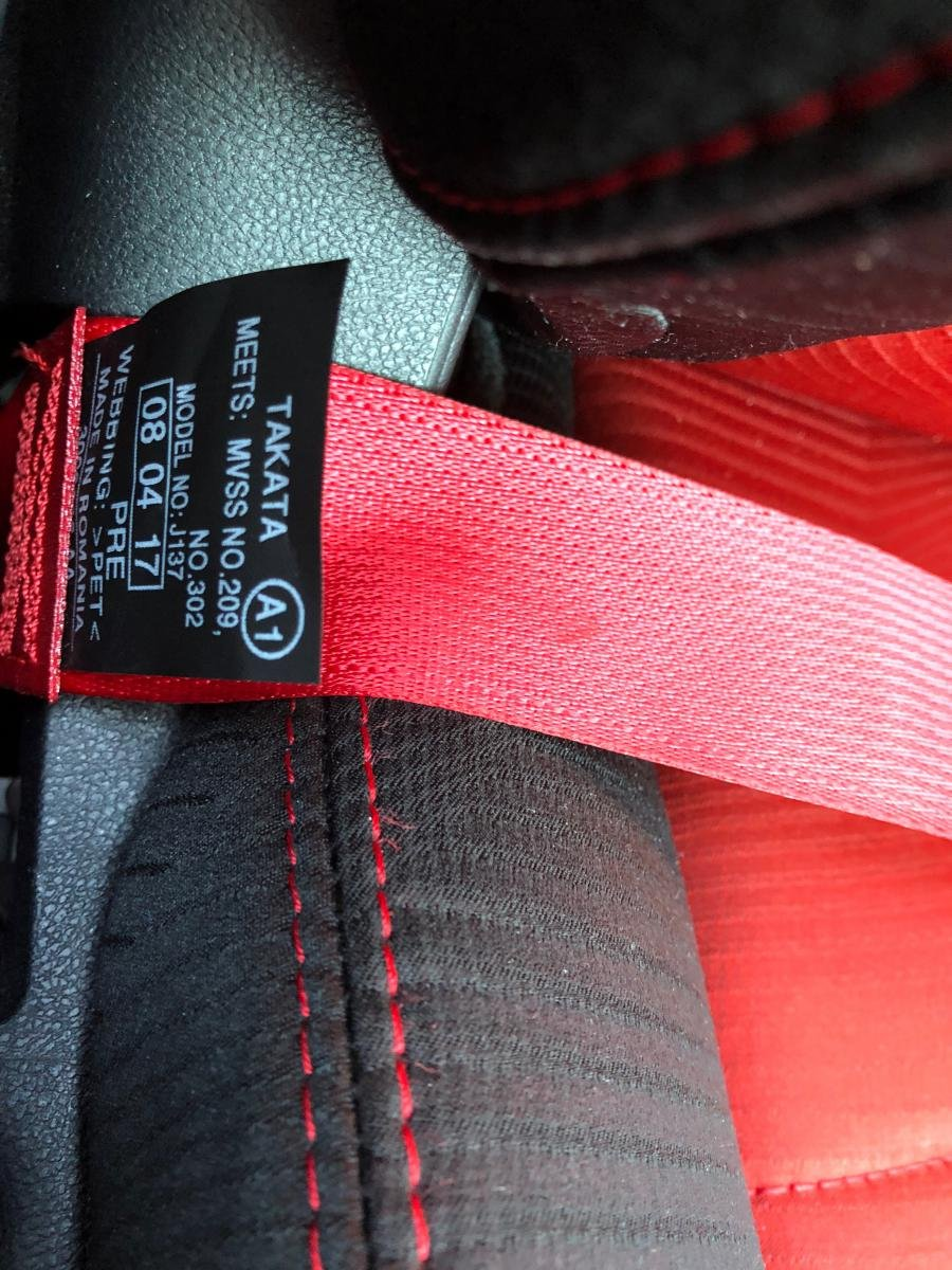 Civic Type R Red Seat Belts