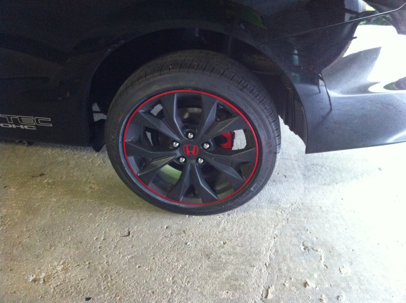 Poor mans plasti dip rims with red outline-new-rims.jpg