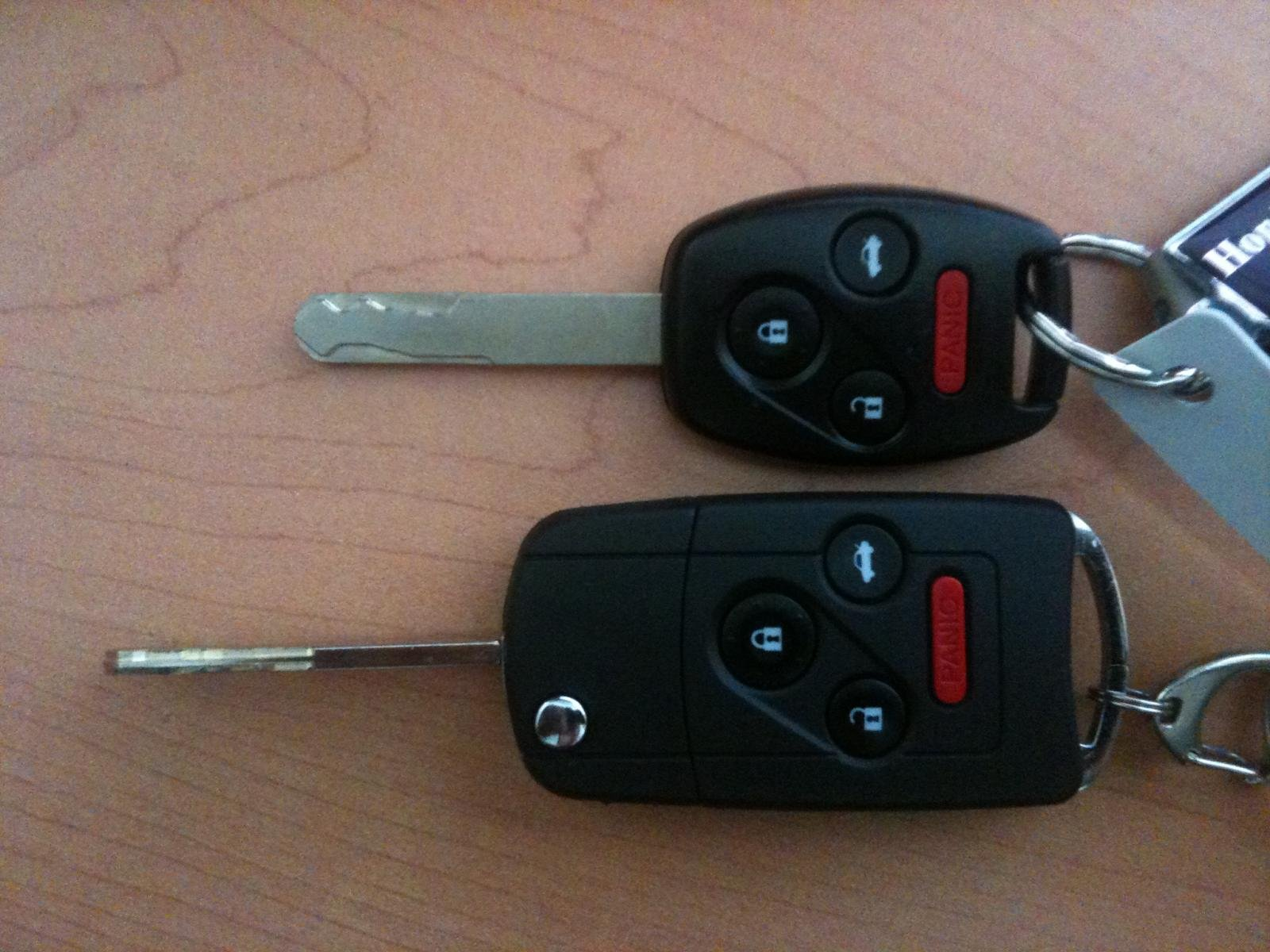 What type of car keys come with the civic ex sedan photo 6