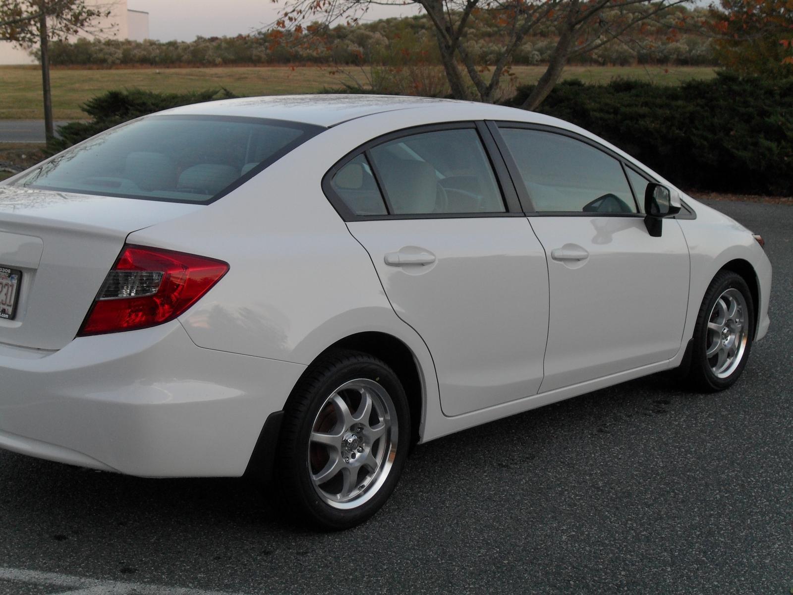Dutsguru BUILD   2012 Honda Civic LX Sedan White Sdc12231