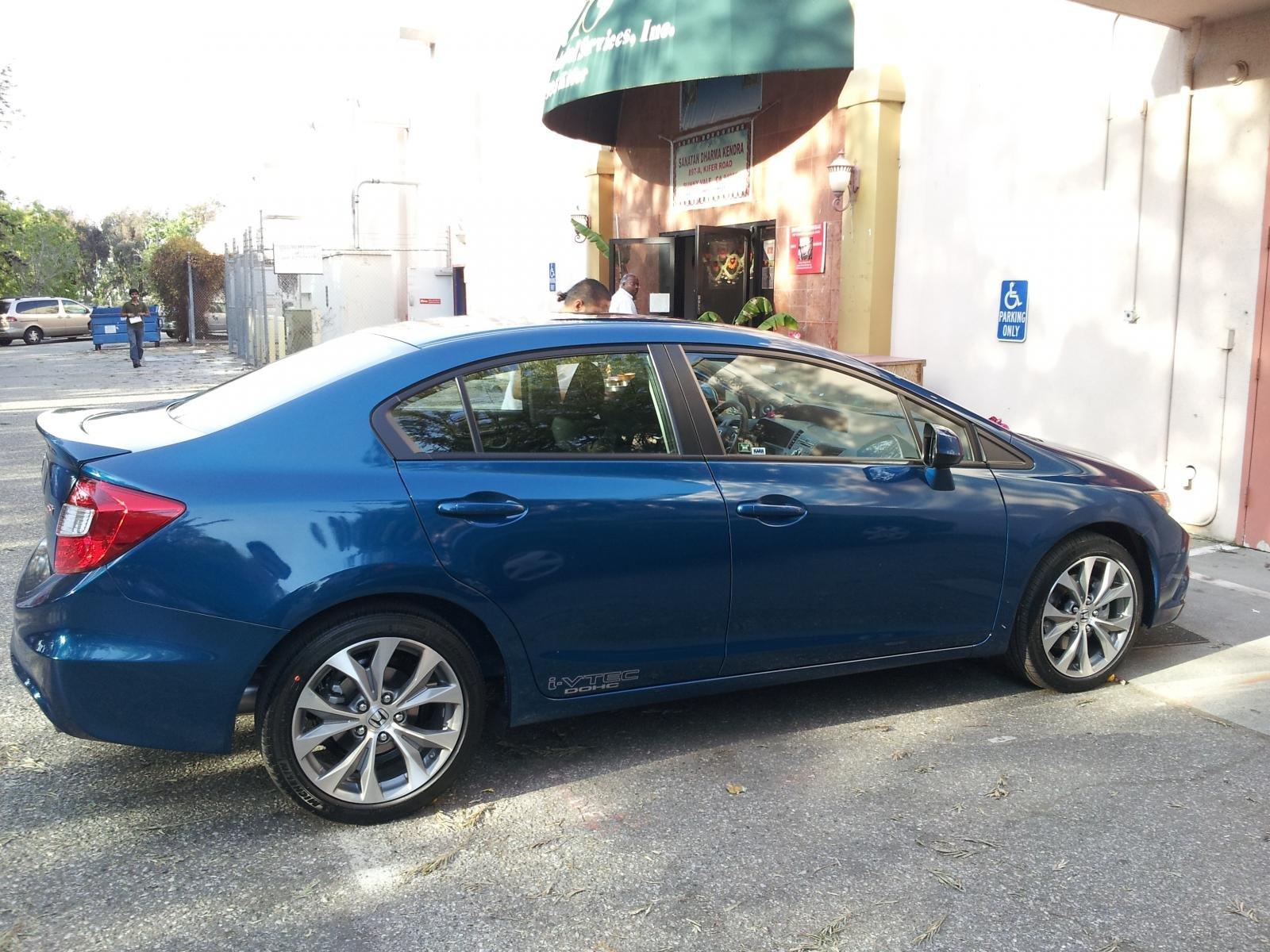 2012 Civic Si Sedan. Dyno Blue Pearl-side2.jpg