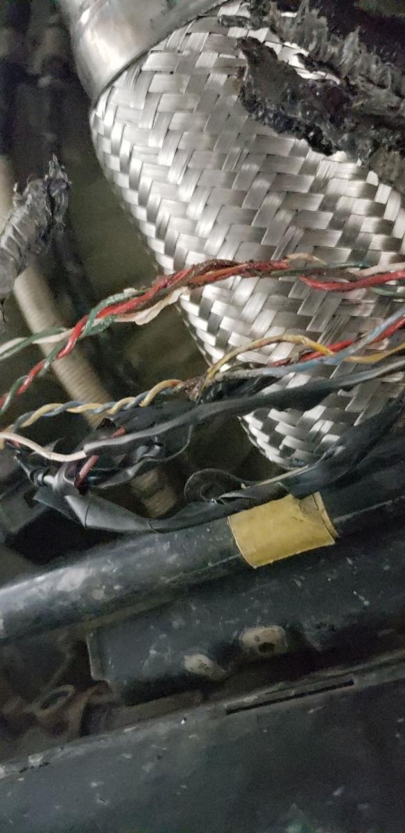 rv6 downpipe exhaust leak?-snapchat-553857411.jpg